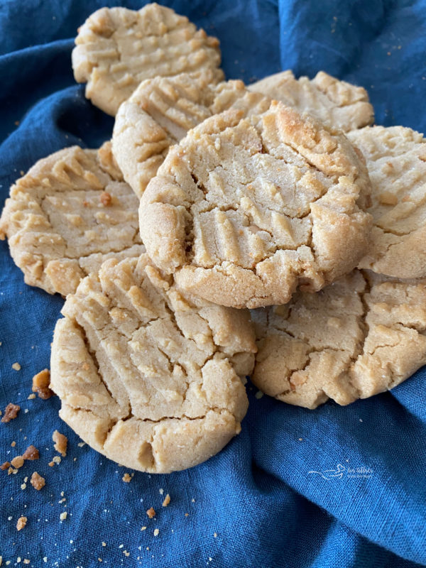 top view of soft peanut butter cookies