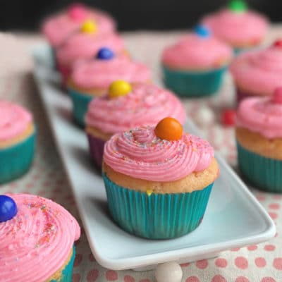 Bubblicious Bubblegum Cupcakes with Bubblegum Buttercream Frosting