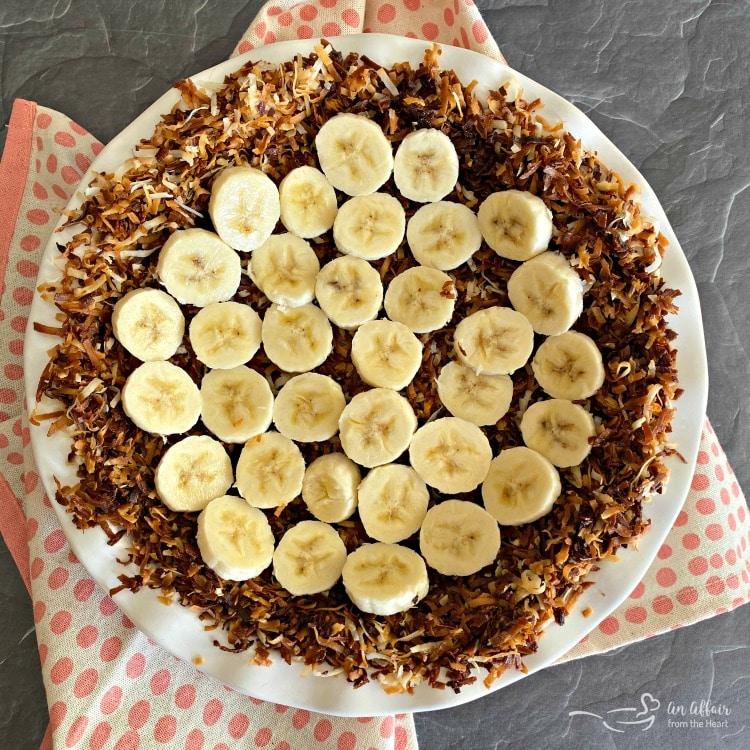 Coconut Banana Cream Pie preparation