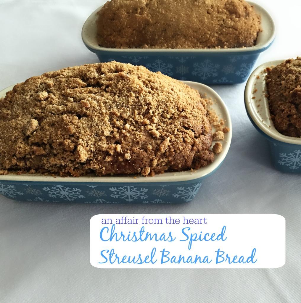 christmas spice streusel banana bread