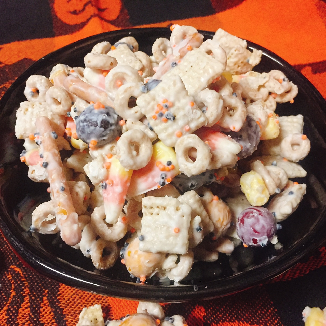 {Gluten-Free} Candy Corn Crunch Snack Mix