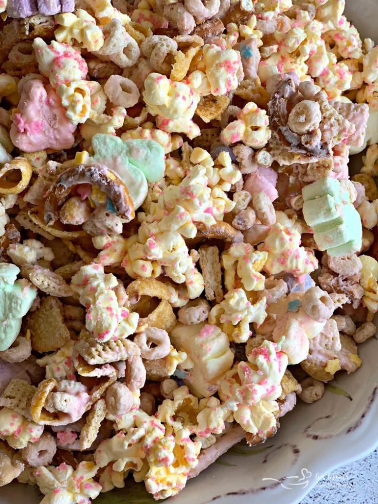 Spring Candy Coated Snack Mix For Easter Snacking