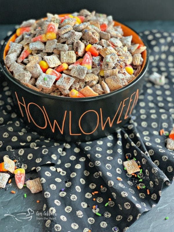 Halloween Double Peanut Butter Muddy Buddies puppy chow
