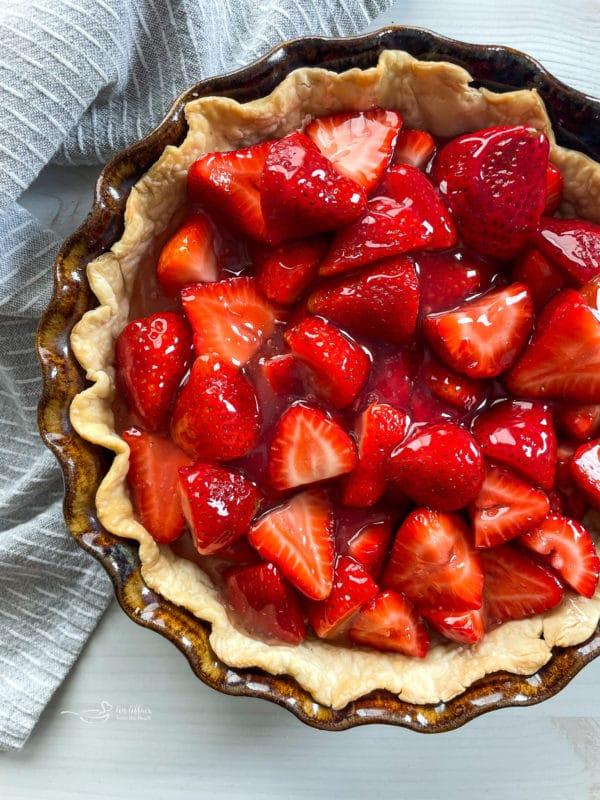 strawberries in pre-baked pie crust
